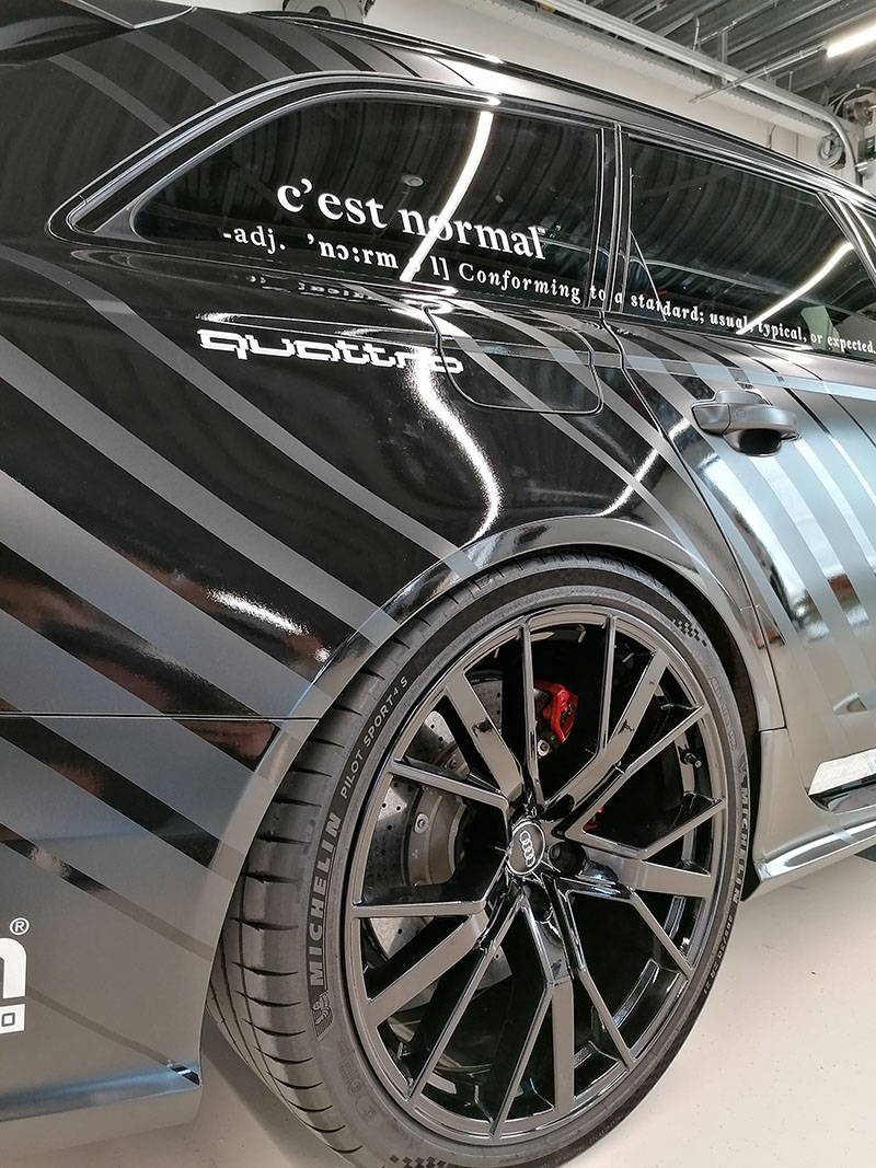carwrap + striping audi rs6